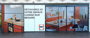 pose-adhesif-sticker-depoli-vinyl-autocollant-microperfore-vitrine-magasin-decoration